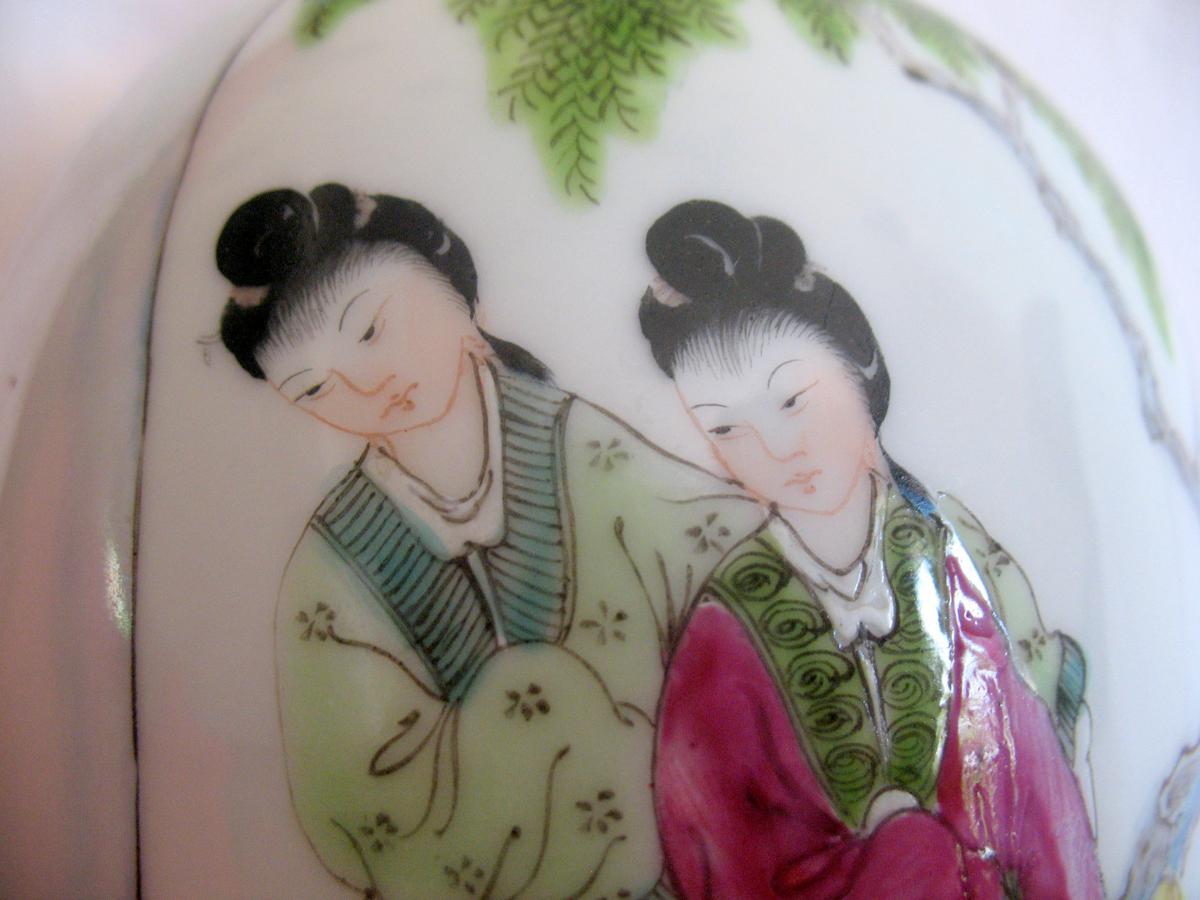 Vase couvert en porcelaine. Décor de personnages et chien de fô. Chine, XIXème-photo-7