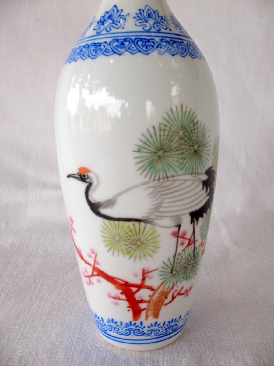 Deux vases signés en porcelaine coquille d'oeuf. Décor de grues. Chine, années 40-photo-3