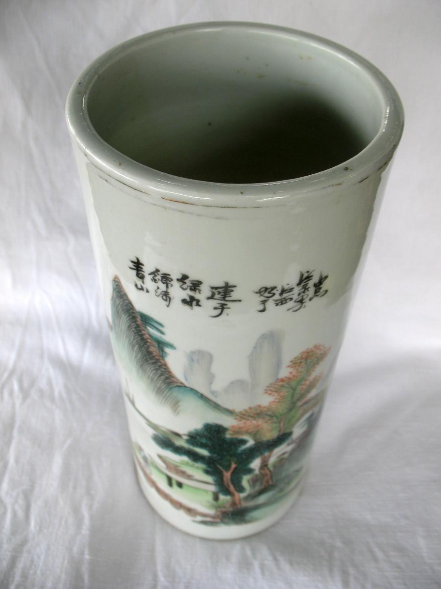 Vase rouleau en porcelaine de Chine. Décor paysage et pêcheur. Début XXème-photo-5