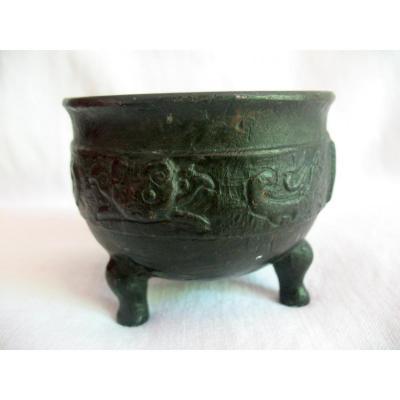 Vase rituel en bronze de style Shang ou Zhou, Chine XIXème