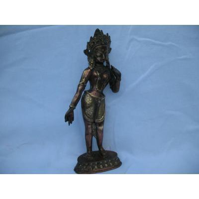 Tara Verte Debout En Bronze . Nepal