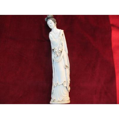 Guanyin ..statuette Chinese Woman In Ivory .... China