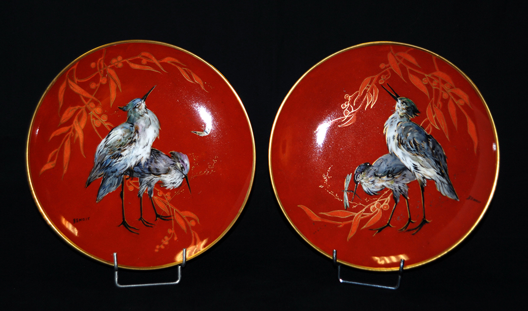 Paire d'Assiettes En Porcelaine De Limoges Peintes Main.