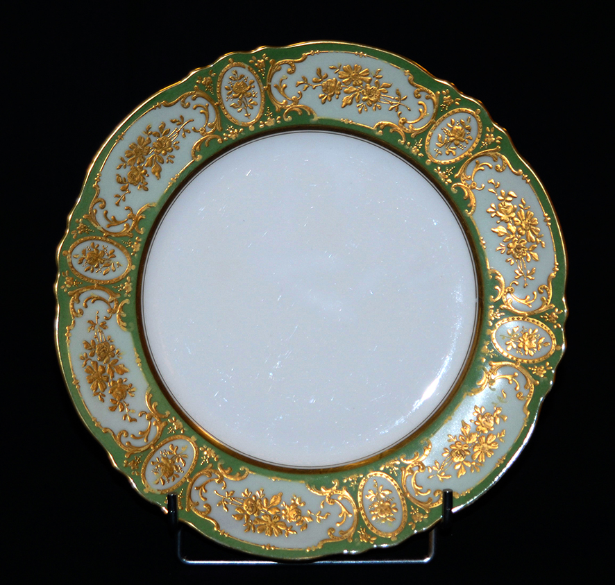 Plate In Limoges Porcelain Painted Hand.