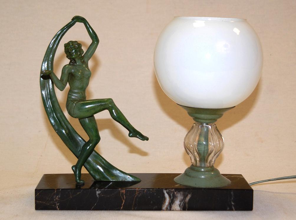 Lampe à Poser Art Déco, Femme Nue dansant avec un voilage.