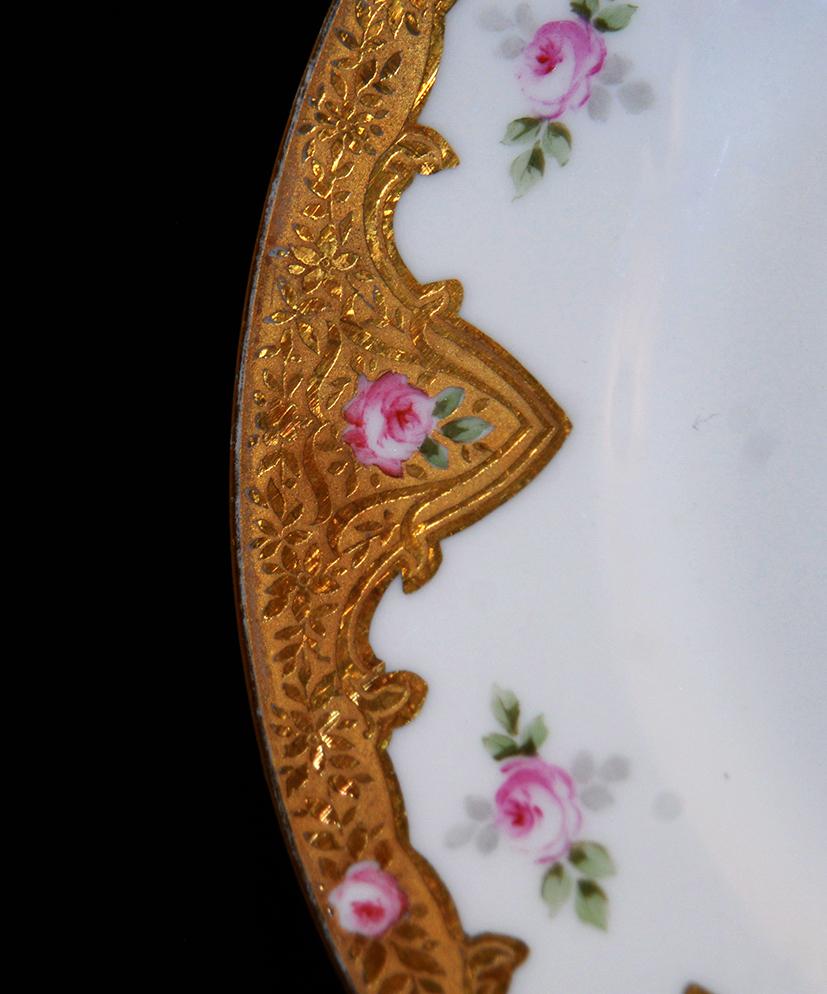Assiette En Porcelaine De Limoges Décor Peint Main, Et Pâte d'Or.-photo-2