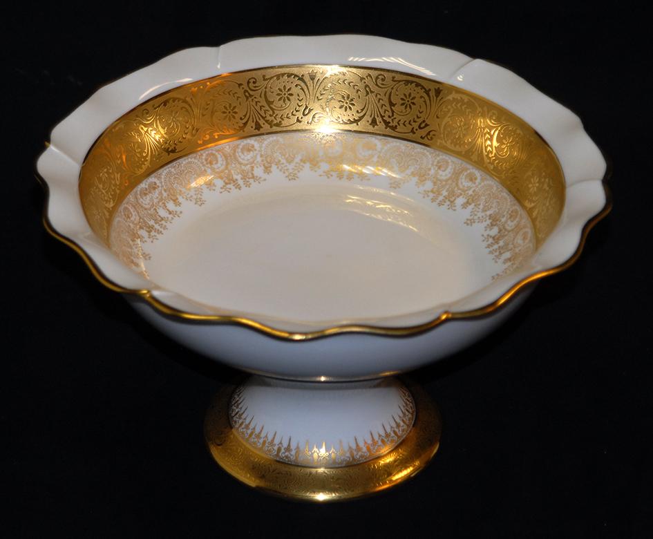 Grande Coupe Sur Pied En Porcelaine De Limoges, Double Incrustation Or, Ateliers  Malevergne.