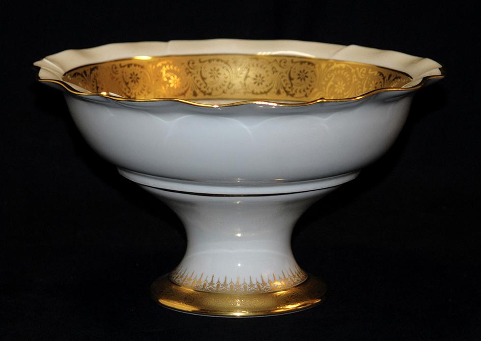 Grande Coupe Sur Pied En Porcelaine De Limoges, Double Incrustation Or, Ateliers  Malevergne.-photo-3