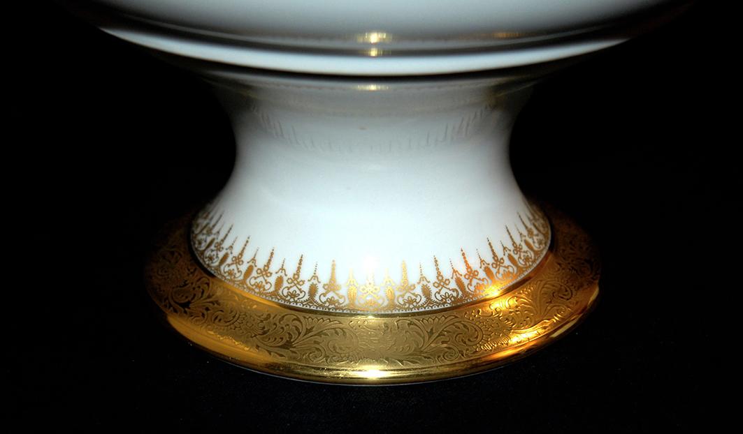 Grande Coupe Sur Pied En Porcelaine De Limoges, Double Incrustation Or, Ateliers  Malevergne.-photo-5