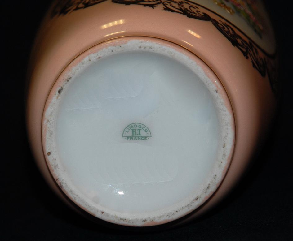 Vase en porcelaine de Limoges peint main, bouquet de fleurs.-photo-6
