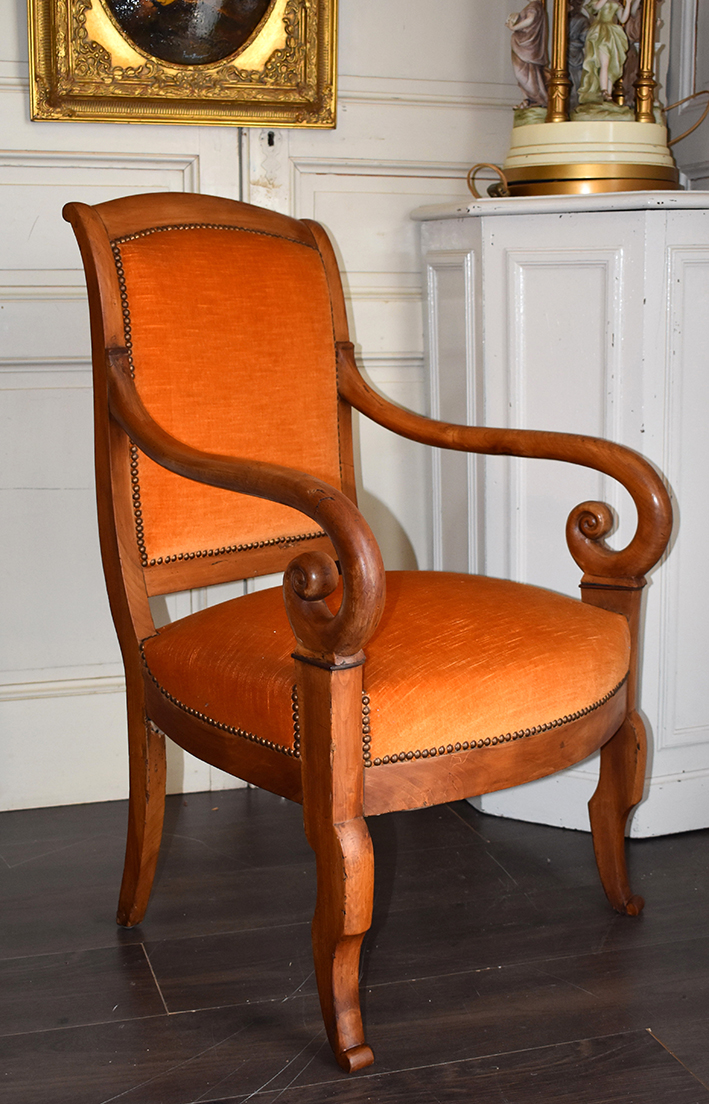 Armchair Walnut Walnut, Restoration Era, XIX.