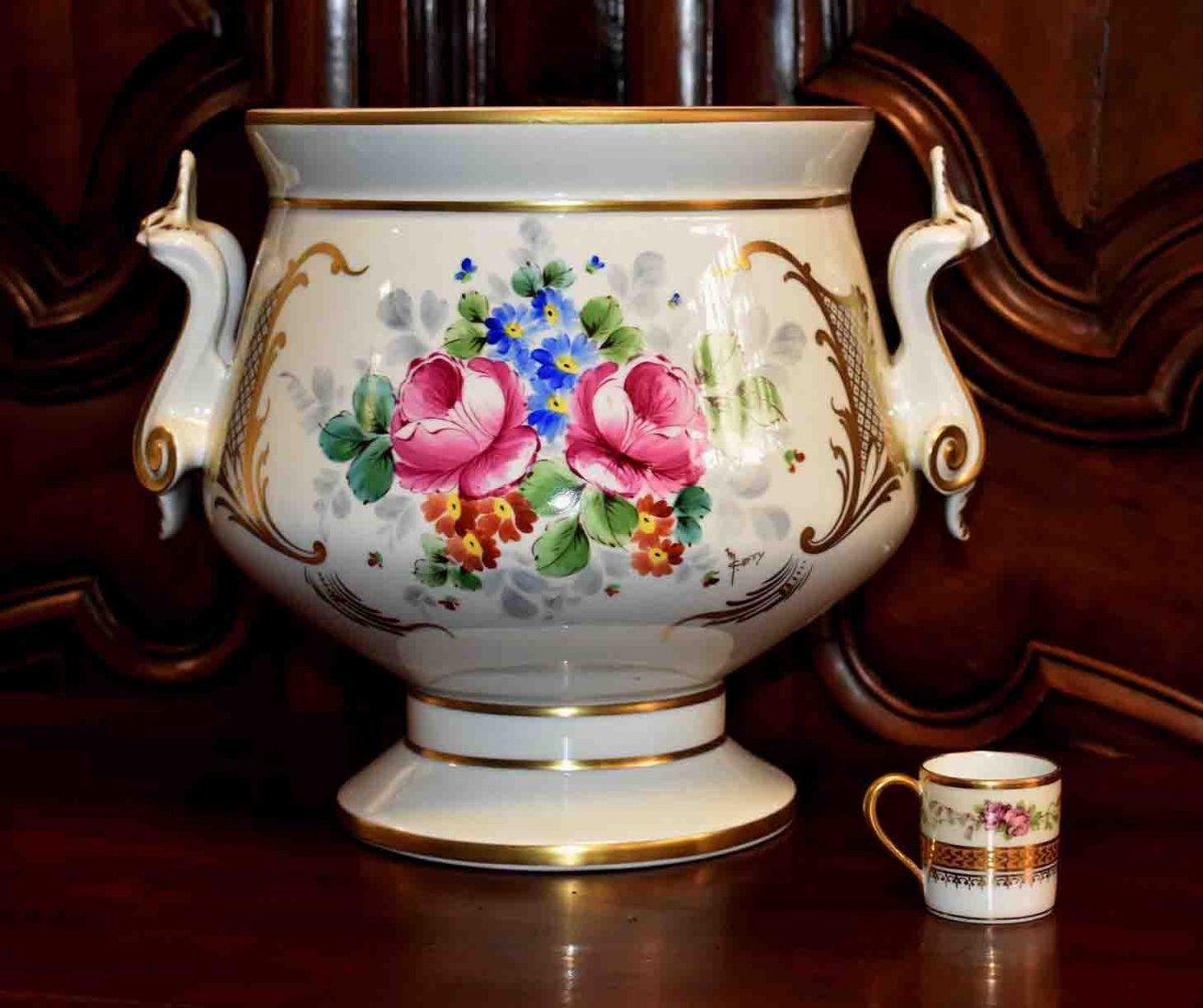 Grand Cache - Pot En Porcelaine De Limoges  à Décor Floral , important centre de table Peint Main Signé Caffy.-photo-2
