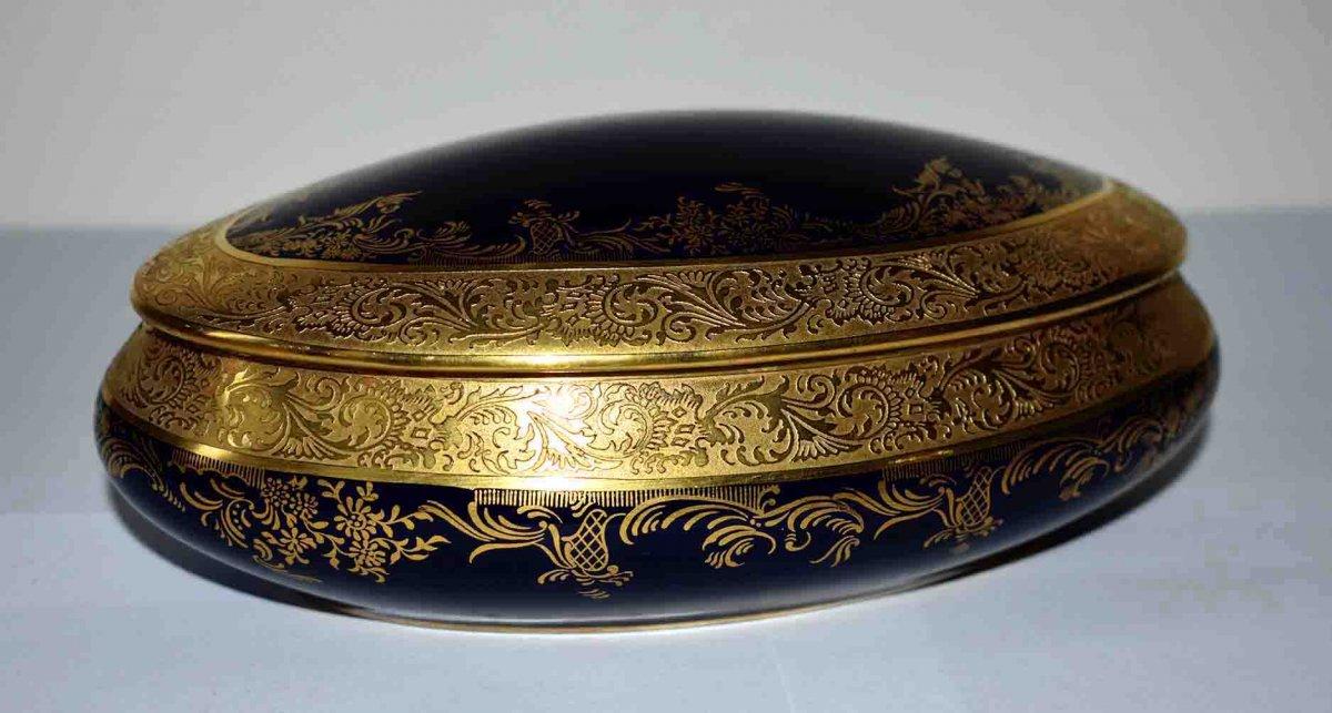 Coffret Ovale En Porcelaine De Limoges, Bleu De Four Et Double Incrustation Or