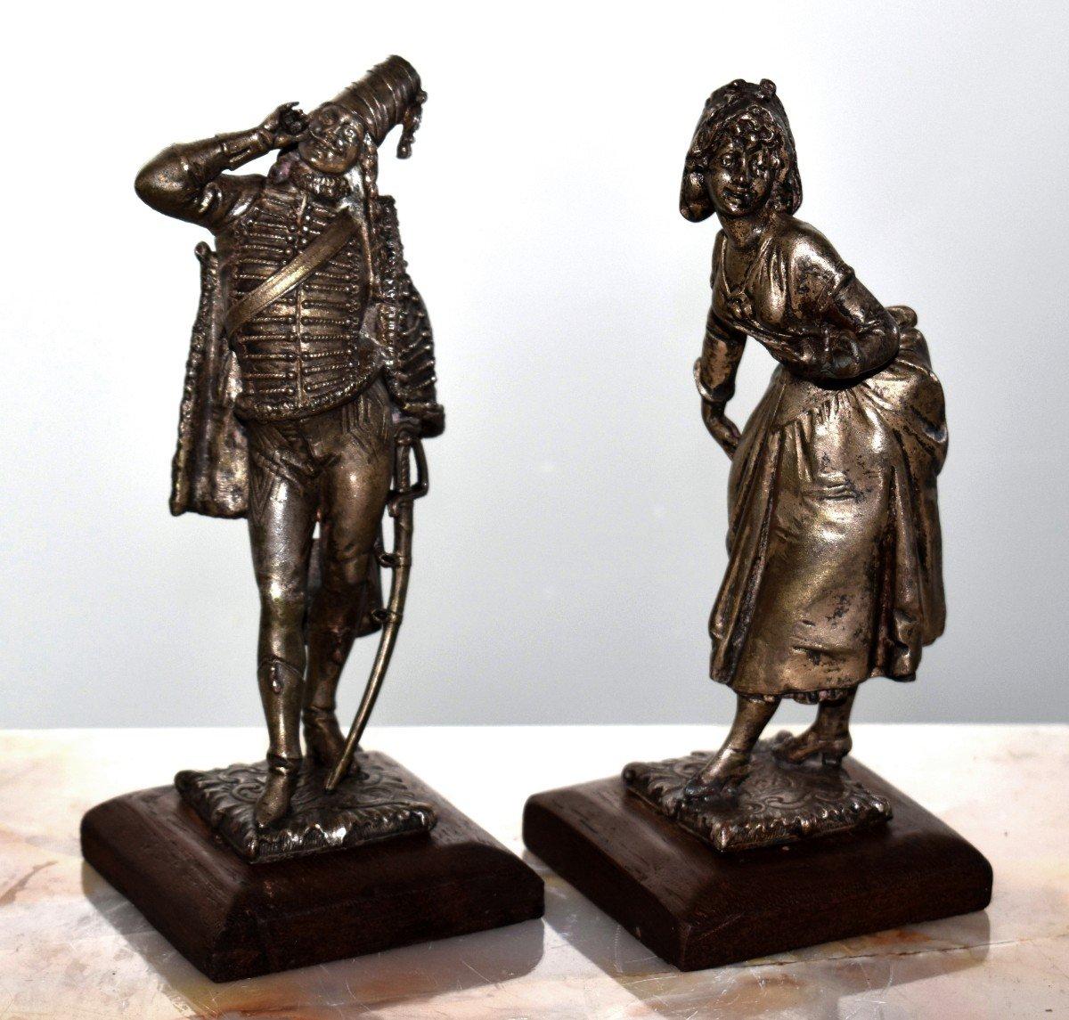 Paire De Statuettes , Sujet Militaire, Hussard  et  Jeune Fille,  Soldat en costume militaire, Premier Empire, Napoléon.-photo-2