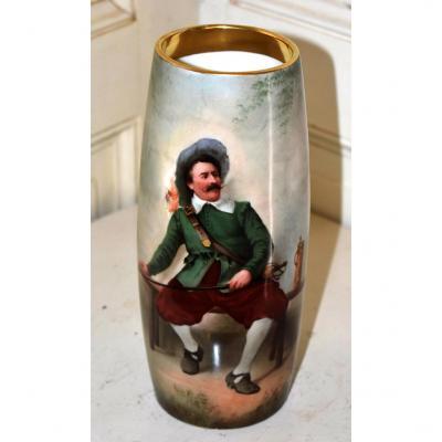 Vase En Porcelaine De Limoges, Mavaleix ( 1908-1914) Décor Personnage Du XVIIème.