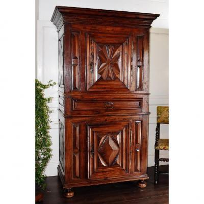 Cabinet, Standing Man Walnut, Louis XIII, XVII.