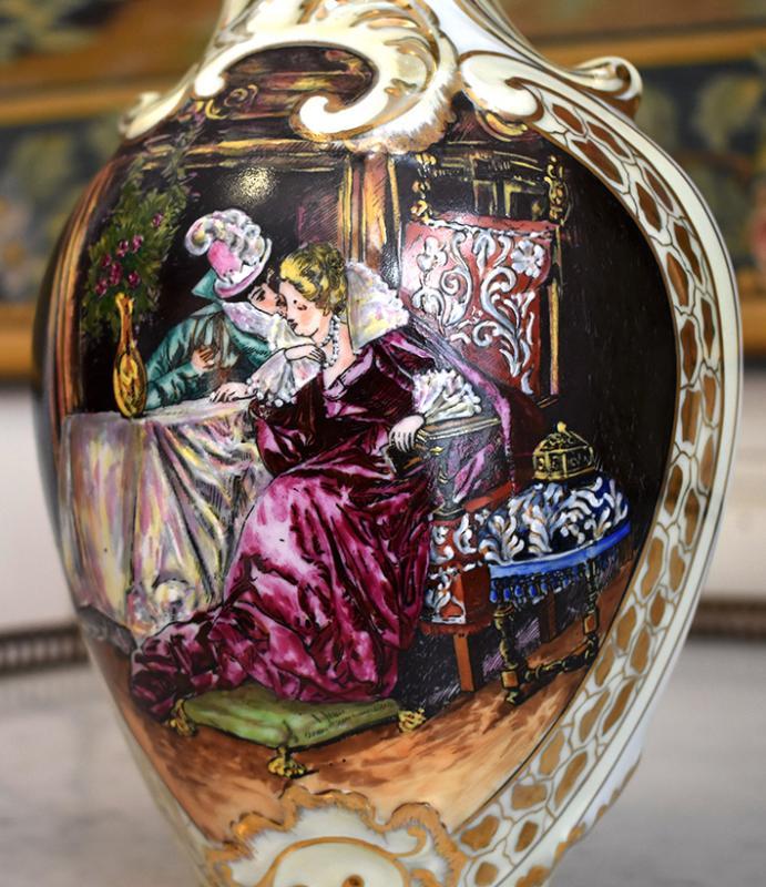 Paire d'Aiguières En Porcelaine De Limoges Décor Renaissance, Peint Entièrement à La Main.-photo-3