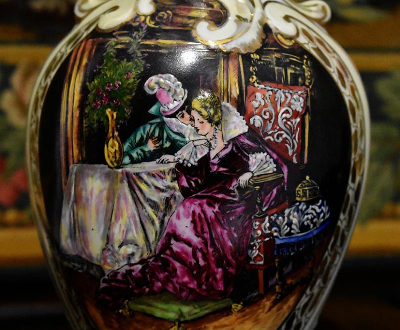 Paire d'Aiguières En Porcelaine De Limoges Décor Renaissance, Peint Entièrement à La Main.-photo-4