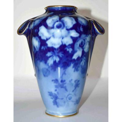 Poujol, Vase En Porcelaine De Limoges , Roses En  Camaïeu Bleu