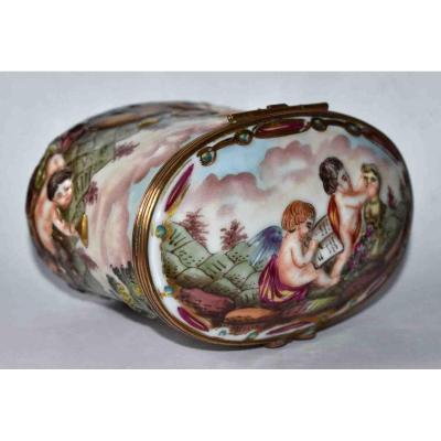 Porcelain Jewelry Box, Capodimonte, Naples, XIXth