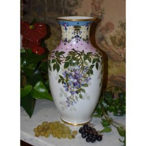 L. Thomas . Grand Vase En Porcelaine De Limoges Peint Main Et  Décor Floral, Signé 1931.