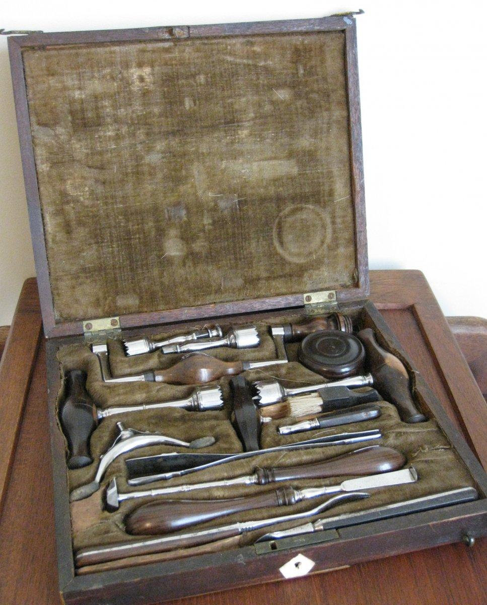 Coffret De Trépanation Avec élévatoire à Chevalet De Petit Par Still Circa 1800