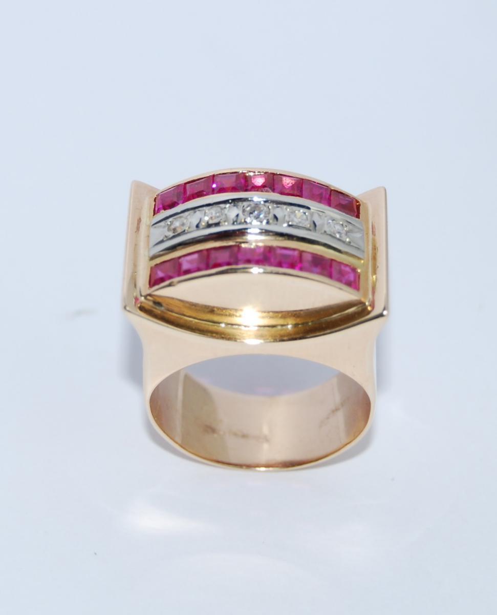 Bague en or et diamants époque rétro.