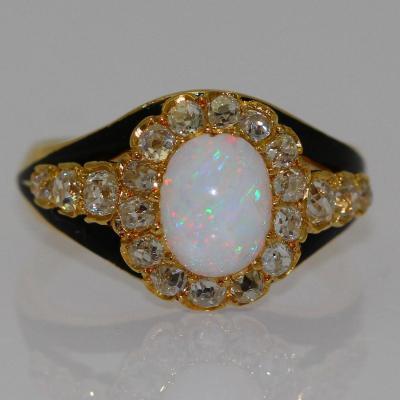Bague Opale Et Diamants.