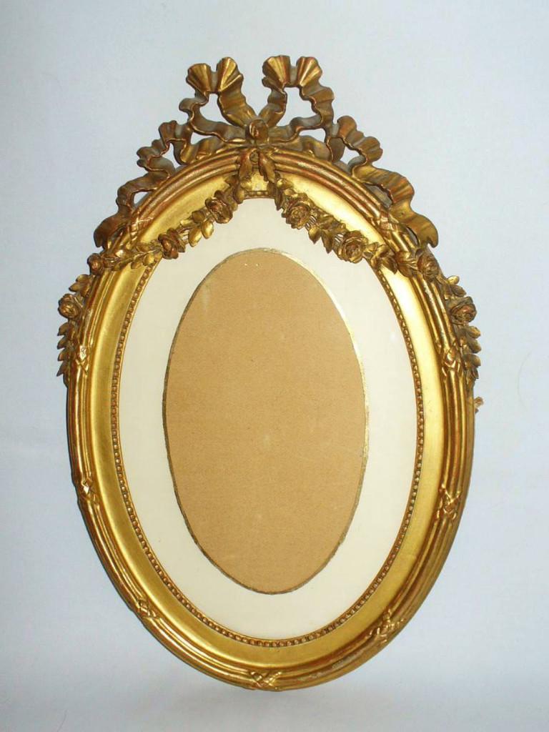 cadre ovale en bois dor sculpt guirlandes de fleurs de style louis xvi napoleon iii xixe. Black Bedroom Furniture Sets. Home Design Ideas