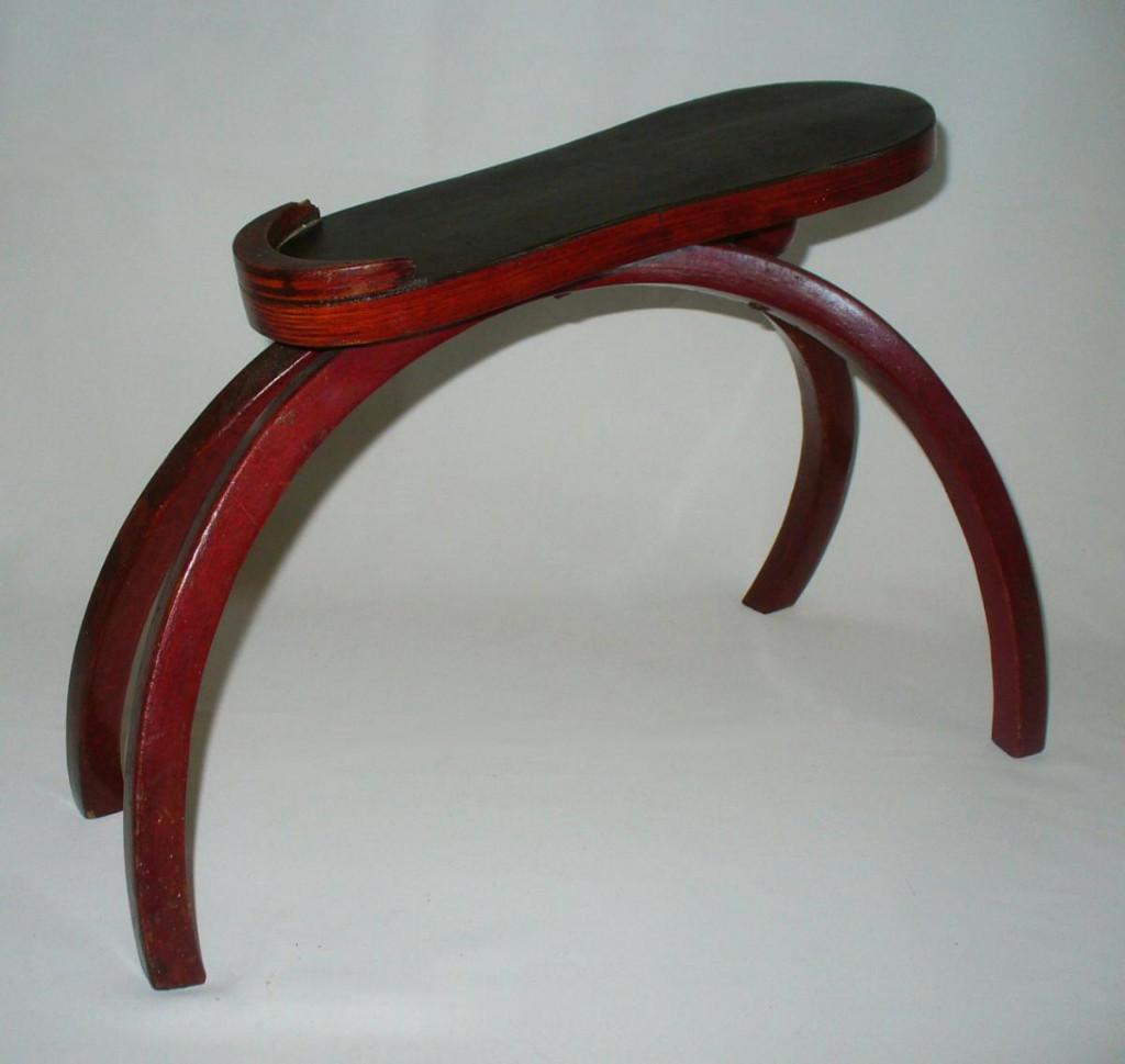 Porte souliers meuble de cireur xixe bois courb rouge - Couleur rouge sang de boeuf ...