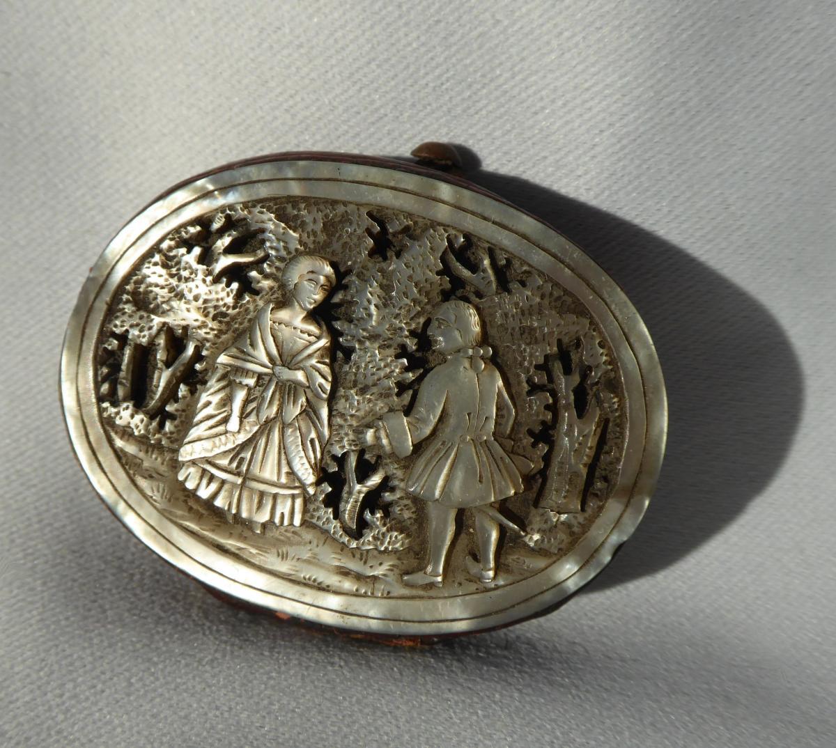 Porte Monnaie , Réticule En Nacre Gravée , Epoque 1880 , Marquise , Napoléon III étui XIXe-photo-1