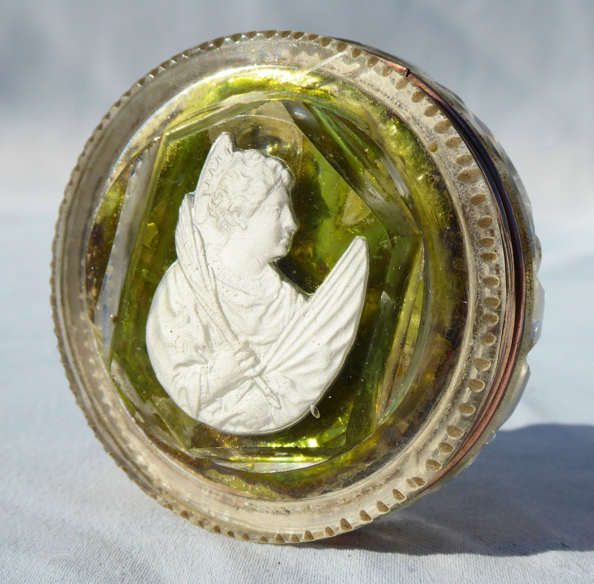 Reliquaire En Cristallo Cerame Epoque 1820 Sulfure Cristallo-cérame Baccarat XIXe PAPEROLLES