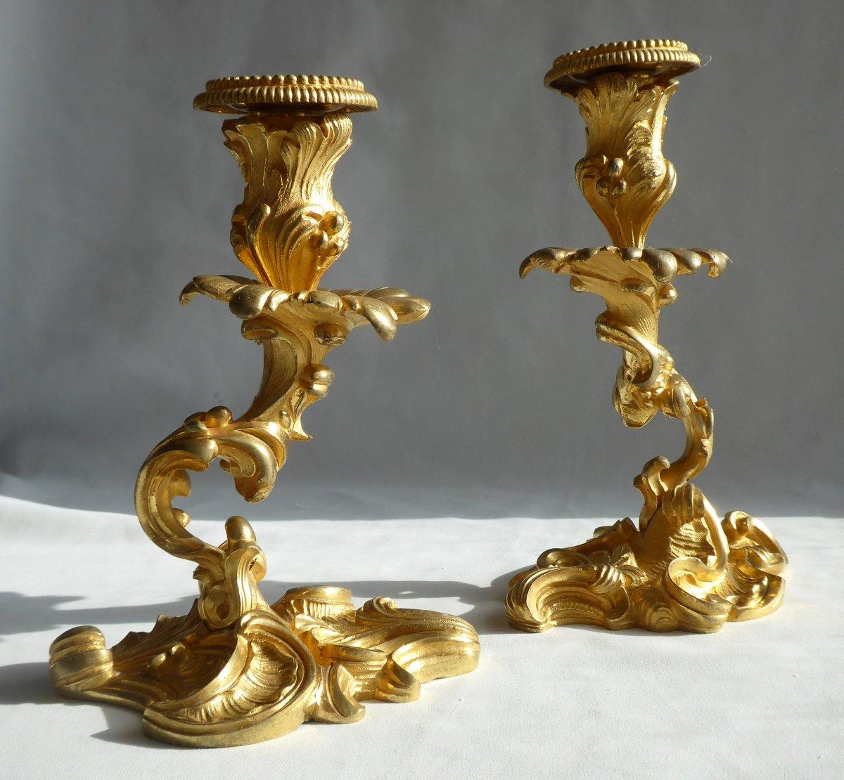 Paire De Bougeoirs En Bronze Doré Style Rocaille XVIIIe Siecle , Flambeaux , Bougeoir