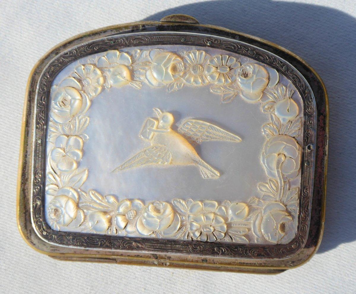 Porte Monnaie En Nacre Gravée Decor De Colombe Amour Style XVIIIe Epoque Napoléon III Mariage
