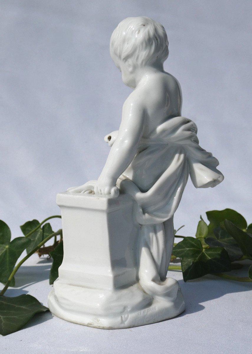 Sujet En Porcelaine Allemande , Putto Enfant d'Apres Falconnet , Le Feu XIXe Style XVIIIe -photo-2