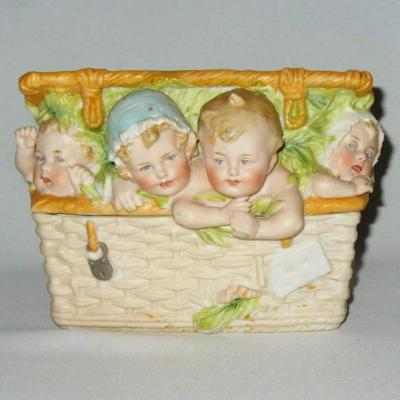In Biscuit Box Period 1890 Babies Of Piano Heubach 1890 Kids Baby In Shopping Cart