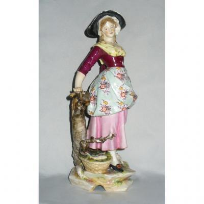 Grand Sujet En Porcelaine De Samson Style Meissen Bergere / Marchande De Poissons Style XVIIIe