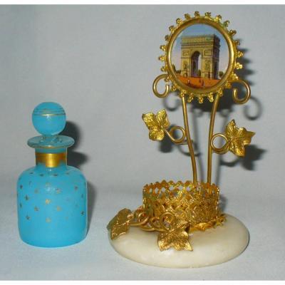 Flacon à Parfum En Opaline Bleue , Monture En Bronze Doré Fixé Sous Verre Paris , Palais Royal