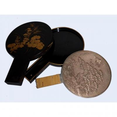 Miroir face à main en bronze argenté , Laque Japon ére Meiji , XIXe siecle Kagkimi Kagami