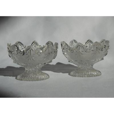 Paire De Salerons En Cristal Moulé Du Creusot , Baccarat , Décor Gothique 1820 Charles X XIXe