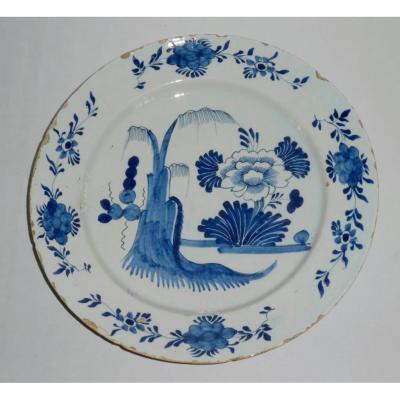 Large Dish In Delft Faience, Japanese Decor, Eighteenth Century, Camaieu De Bleu