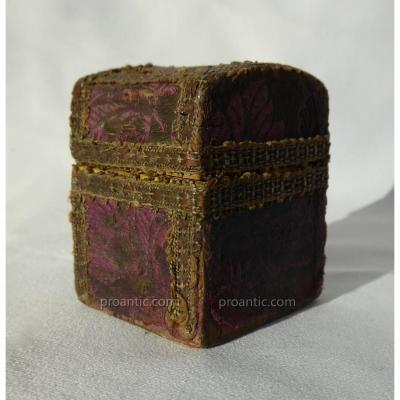 Box / Jewelry Box XVIIIth Century, 1770, Silk, Wooden Box