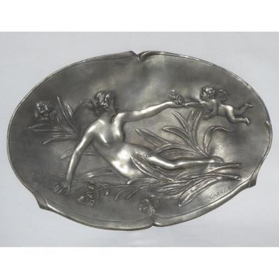 Plat époque Art Nouveau , Nymphe Et Angelot , Bas Relief En étain , Signé Jean Garnier 1900