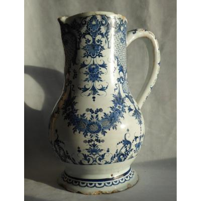 Large Pitcher Decor In Camaieu De Bleu Lille / Rouen Eighteenth Century Earthenware Broc Grand Feu