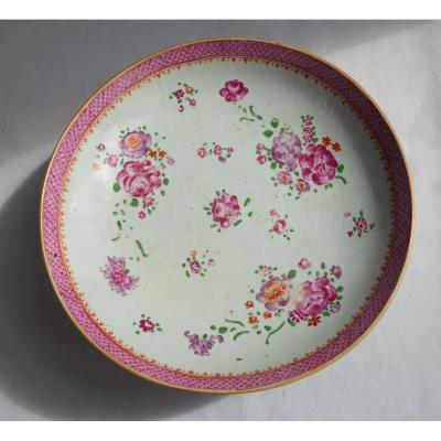 Plat En Porcelaine XVIIIe , Compagnie Des Indes , Chine , Famille Rose , Asie