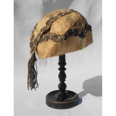 Bonnet d'Interieur d'Homme époque Louis XV , Soie , XVIIIe , Coiffe à La Sultane Costume Fumeur