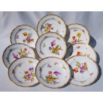 Série De Neuf Assiettes En Porcelaine De Meissen Style XVIIIe , Bouquets De Fleurs Assiette