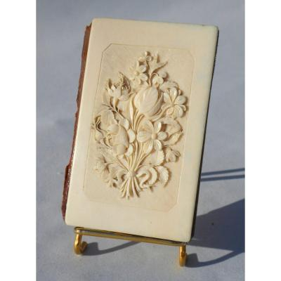 Carnet De Bal Period Napoleon III Ivory Dieppe Bouquet Of Flowers Object Of Virtues Nineteenth Wedding