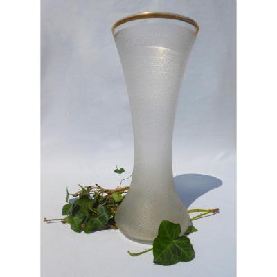 Vase Diabolo En Cristal De Saint Louis , Degagé à l'Acide . Reference 318 , Decor Vermicelles