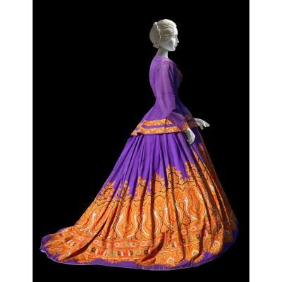 Robe à Crinoline époque Napoléon III , Châle Cachemire à Fond Violet , Costume XIXe